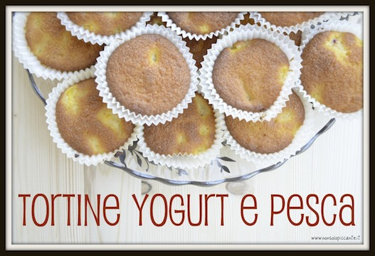 Tortine yogurt e pesca