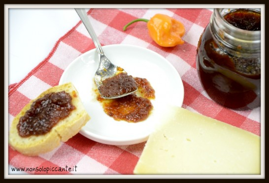 Marmellata peperoncini e aceto balsamico