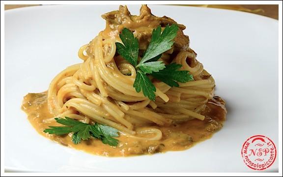 Spaghetti zucca gialla, funghi e taleggio