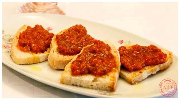 Menu di san valentino - Crostini rossi piccanti