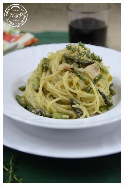 Spaghetti con carbonara di asparagi