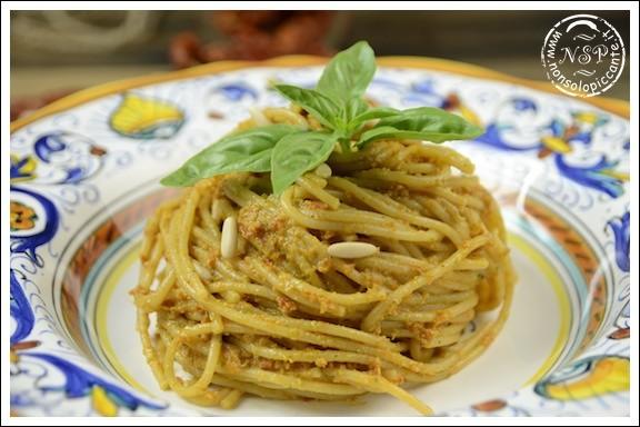 Pasta al pesto di pomodori secchi